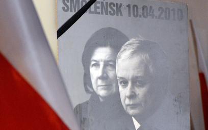 Sondaż: Polacy nie chcą już miesięcznic smoleńskich