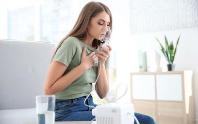 Zmienia się schemat leczenia astmy