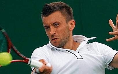Michał Przysiężny wygrał w pierwszej rundzie z Chorwatem Ivanem Ljubiciciem 7:5, 7:6 (7-5), 6:3