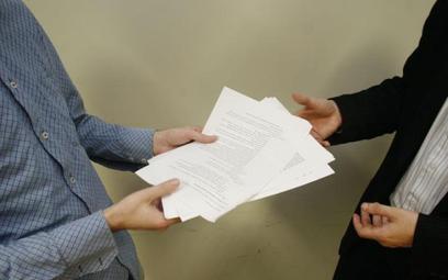 Sprawdź, jak prawidłowo zawrzeć umowę na zastępstwo