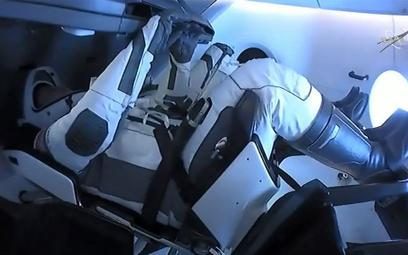 Historyczna misja NASA i SpaceX dobiega końca. Dragon wraca na Ziemię