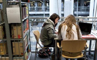 Pięćdziesiąt tysięcy studentów straci pomoc finansową