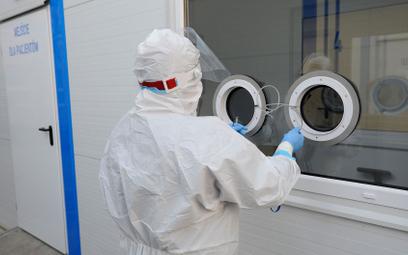 Koronawirus w Polsce. Blisko 50-proc. spadek liczby zakażeń
