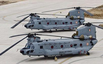 Indie formalnie przejęły pierwsze śmigłowce transportowe Boeing CH-47F Chinook. Fot./Boeing India, S