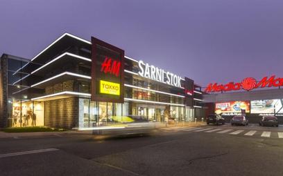 Centrum handlowe Sarni Stok w Bielsku-Białej zostało otwarte w 2001 roku