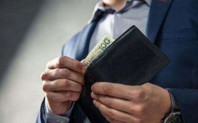 Nawet przy niskich płacach własna firma bardziej się opłaca niż etat
