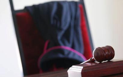 Dlaczego warszawski sąd nie ujawnia odpowiedzi sędziego Gąciarka na pytania sędzi z Irlandii