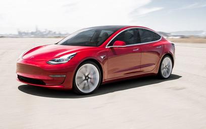 Tesla Model 3 z Chin. Droższa, bo dostępna tylko z autopilotem