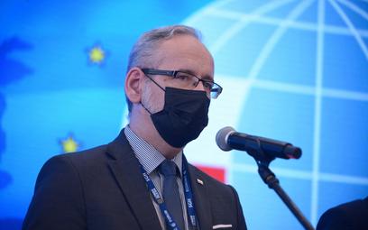 Minister zdrowia Adam Niedzielski podczas konferencji prasowej w trakcie XXX edycji Forum Ekonomiczn