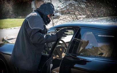 Kradzieże samochodów: Dziennie w Polsce znika 25 aut