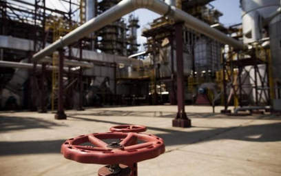 Rafineria/Bloomberg