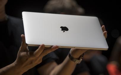 Konserwatyści ostro atakują: Apple uderza w religię