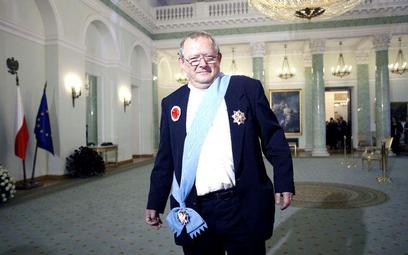 Adam Michnik z Orderem Orła Białego