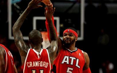 Przed poniedziałkowym meczem Chicago Bulls z Atlanta Hawks trener gospodarzy Tom Thibodeau odebrał n