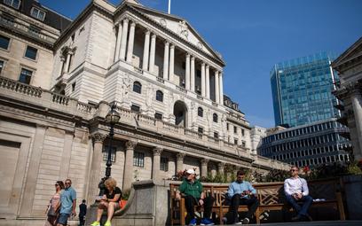 Bank Anglii trzyma kurs