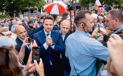 W weekend kandydaci rozjechali się po Polsce. Rafał Trzaskowski (KO) odwiedził m.in. Poznań
