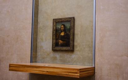 Oryginalna Mona Lisa znajduje się w paryskim Luwrze