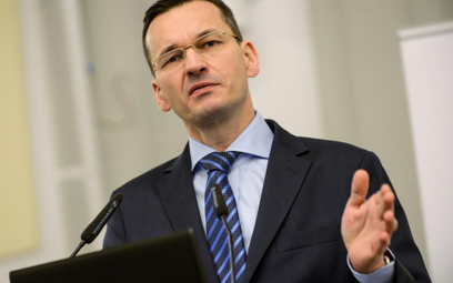 """Morawiecki: niech majętni nie wnioskują o pieniądze z """"Rodzina 500 plus"""""""