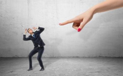 Skutki upływu terminu na rozwiązanie umowy z pracownikiem bez wypowiedzenia
