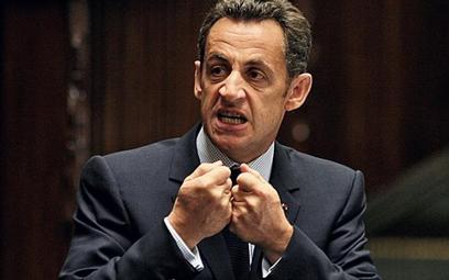 Nicolas Sarkozy wybiera własną drogę w walce z kryzysem