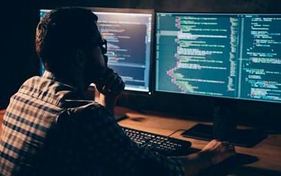 Liczba ataków na konta bankowe Polaków przekracza średnią w Europie. Hakerzy znów uaktywnią się w IV