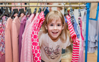 Maluch nadąża za trendami mody