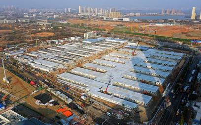 Jeden z dwóch szybko budowanych szpitali na przedmieściach Wuhan