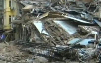 Stambuł: Runął pięciopiętrowy budynek
