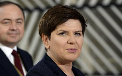 Polska premier jedzie do Wilna przez Ułan Bator i Tallin