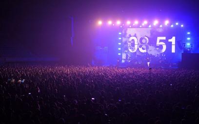 Barcelona: 5 tys. osób na koncercie. Eksperyment