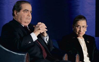 """Choć Antonin Scalia i Ruth Bader Ginsburg skrajnie różnili się poglądami, wiele ich łączyło. """"Oboje"""