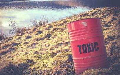 Oszustwa na przetwarzaniu niebezpiecznych odpadów