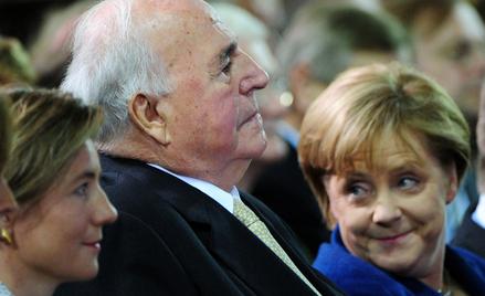 Od prawej: kanclerz Niemiec Angela Merkel, były kanclerz Helmut Kohl i jego żona Maike Kohl-Richter.