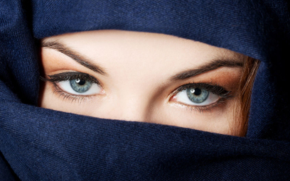 Francja: 29 proc. muzułmanów wybiera szariat