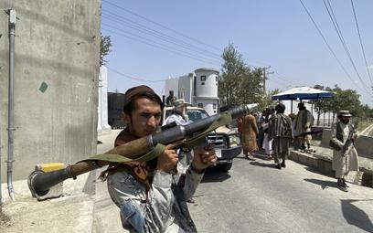 Afgańczyk mieszkający w Polsce: Talib zszedł z gór doinnego świata