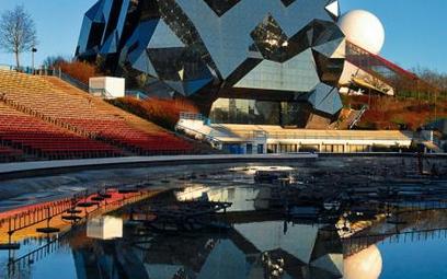 Futurystyczna architektura' wielowymiarowe kino i kosmiczne symulatory spowodowały' że Futuroscope z