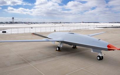 Bezzałogowy samolot tankowania powietrznego bazowania pokładowego MQ-25A Stingray (egzemplarz T-1) p