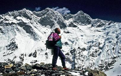 Jerzy Kukuczka przed południową ścianą Lhotse (8516 m n.p.m.) podczas swojej ostatniej wyprawy w paź