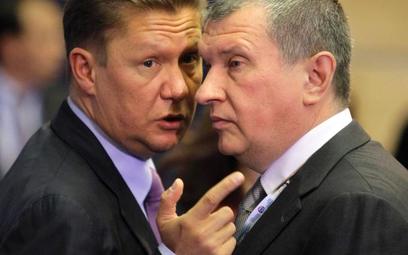 Prezes Gazpromu Aleksiej Miller (z lewej) i prezes Rosnieftu, były wicepremier Federacji Rosyjskiej,