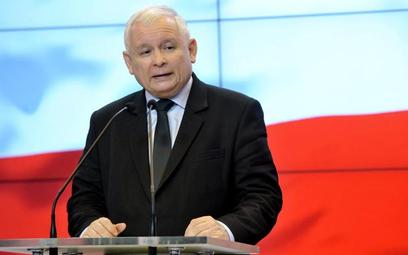 """Jarosław Kaczyński uzasadniał pomysł dwóch kadencji chęcią """"przewietrzenia samorządów"""". Przeciwko są"""