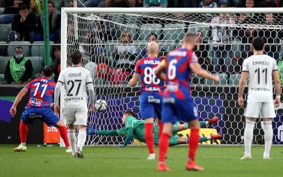 Legia przegrała 2:3 z Rakowem Częstochowa