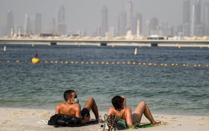 Dubaj otwiera granice dla turystów z testami