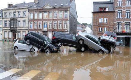 Po każdej powodzi nieudolnie naprawione po zalaniu auta prędzej czy później trafiają na rynek wtórny