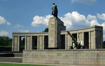 Mauzoleum poległych żołnierzy sowieckich w parku Tiergarten