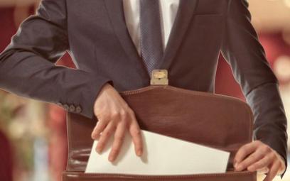 Służba cywilna: Czy urzędnik może rozwiązać stosunek pracy z dnia na dzień