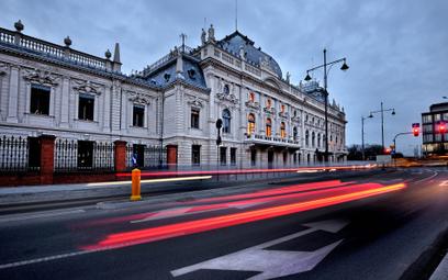 Pałac Izraela Poznańskiego to dzieło Hilarego Majewskiego, architekta miejskiego Łodzi w końcu XIX w