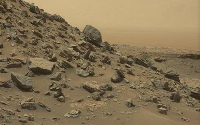 NASA prezentuje nowe zdjęcia z Marsa wykonane przez Curiosity