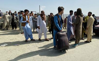 Afganistan. Prezydencki minister: Ewakuujemy kogo się da