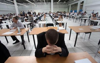 Egzamin na aplikacje prawnicze