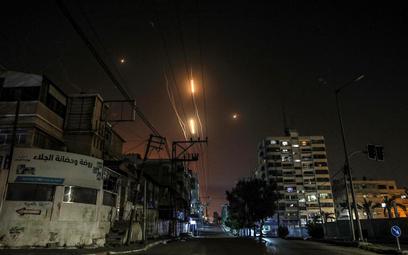 Ponad 300 rakiet w stronę Izraela, setki nalotów na Strefę Gazy